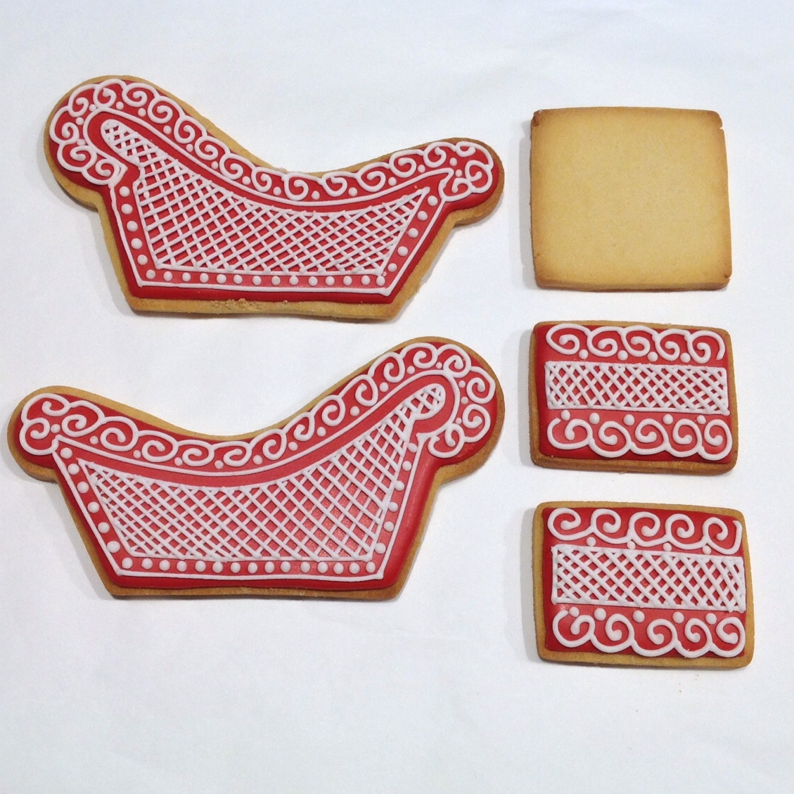 Making Your Santa Sleigh Gingerbread House